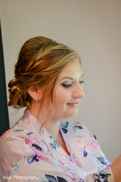 Elegant Indian bridesmaid hair style.