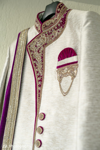 Indian groom's sherwani capture.