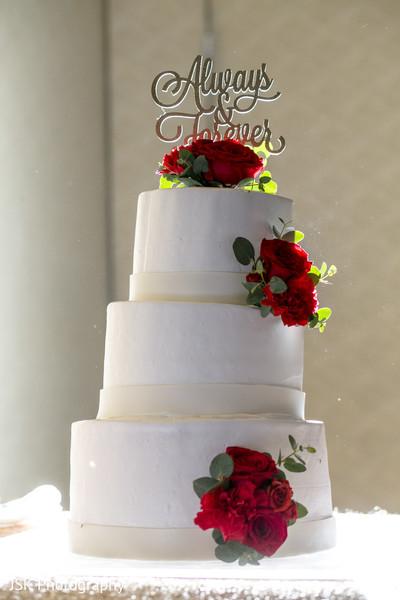 Incredible Indian wedding cake decor.