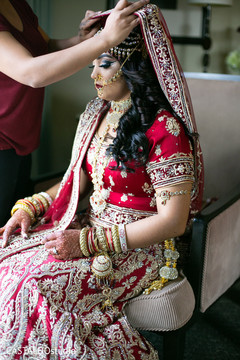 Incredible Indian bride getting ready capture.
