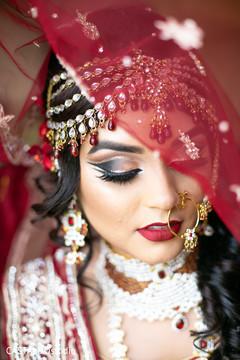 Marvelous Indian bridal hair jewelry set.