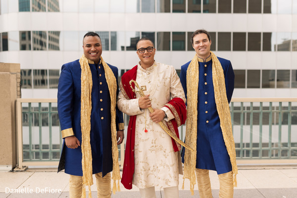 Enchanting Indian groom with groomsmen capture.