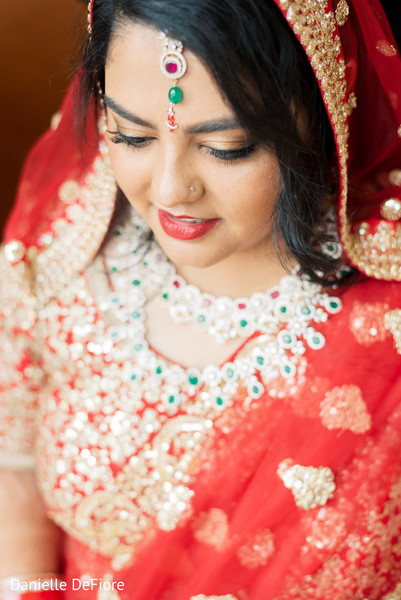 See this incredible Indian bridal tikka.