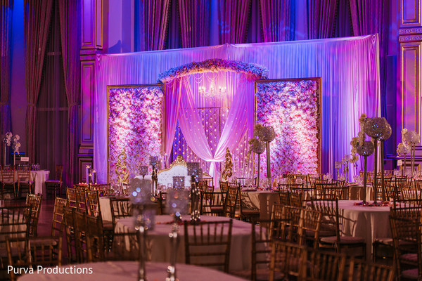 Incredible Indian wedding reception flowers decor.
