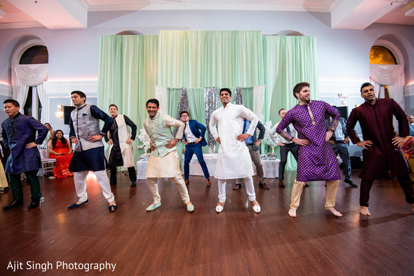 Marvelous Indian groomsmen choreography capture.