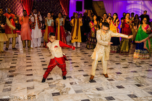 See this ravishing kid guests dancing