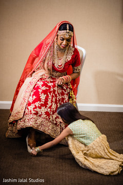 Little guest helping the Maharani