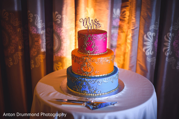 See this delicious Indian wedding cake