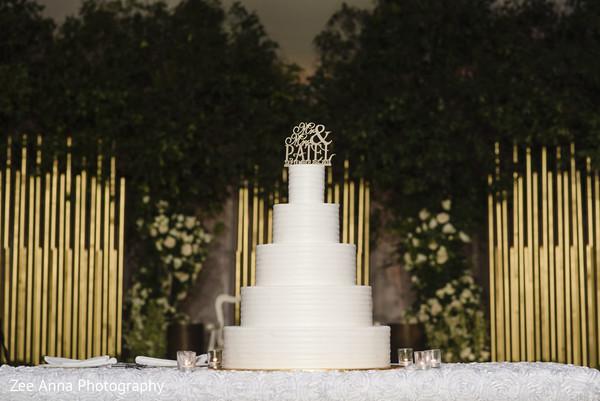 indian wedding reception,cake