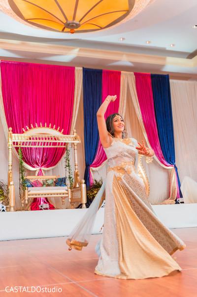 Incredible sangeet dancer photo.