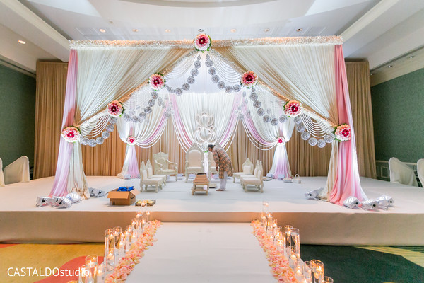 Stunning Indian ceremony wedding aisle.