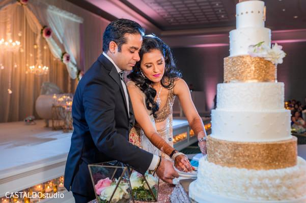 indian wedding reception,indian bride,indian groom,cake