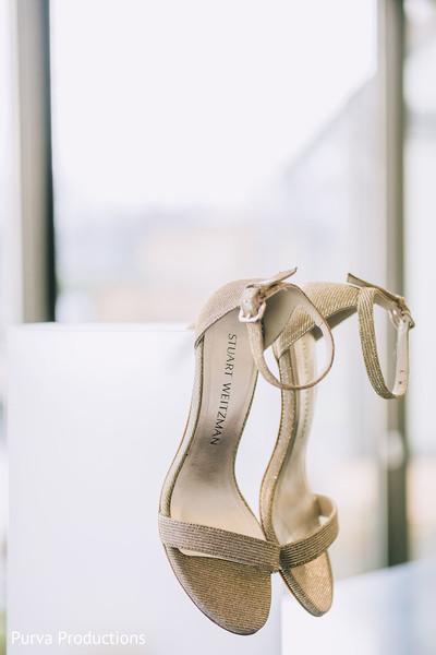 Elegant Indian bridal reception shoes.
