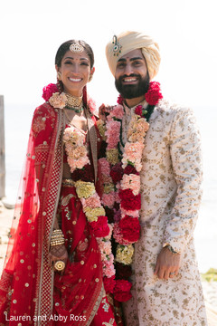 See this amazing portrait of Indian couple posing