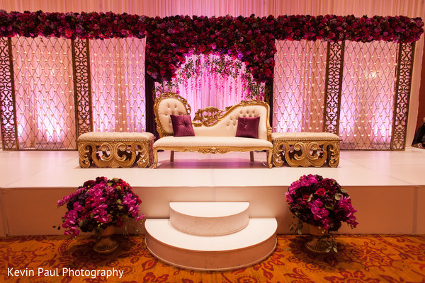See this gorgeous wedding stage
