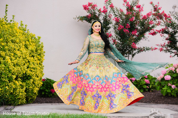 Lengha details of the Indian bride