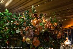 Fascinating Indian wedding roses decoration.