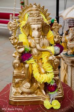 Ganesha golden statue