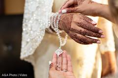 Maharani's jewelry details