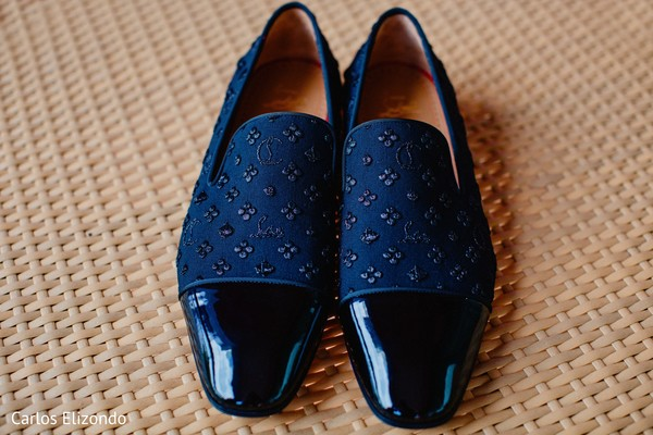 See this elegant shoes ready for the ceremony
