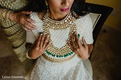 Maharani showing her beautiful jewelry