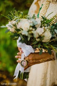Floral arrangement details of the bouquet
