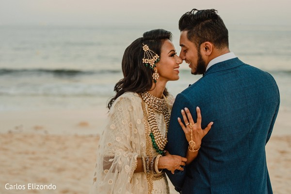 See this dazzling Indian couple