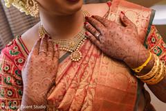 Incredible Indian bridal kundan necklace.