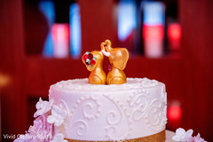 See this adorable Indian wedding cake