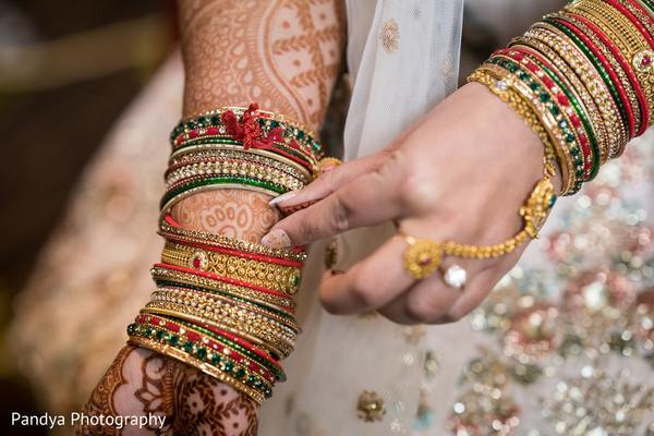 Maharani wearing the jewelry and mehndi