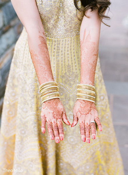 Indian bride showing her beautiful mehndi