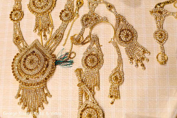 Stunning kundan jewelry set