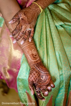 See this gorgeous mehndi