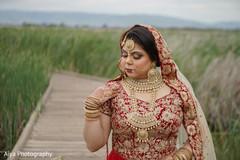 Extraordinary Indian bridal traditional ceremony look.