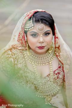 Elegant Indian bridal ceremony look.