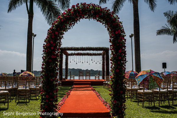 Marvelous Indian wedding ceremony flowers decor.