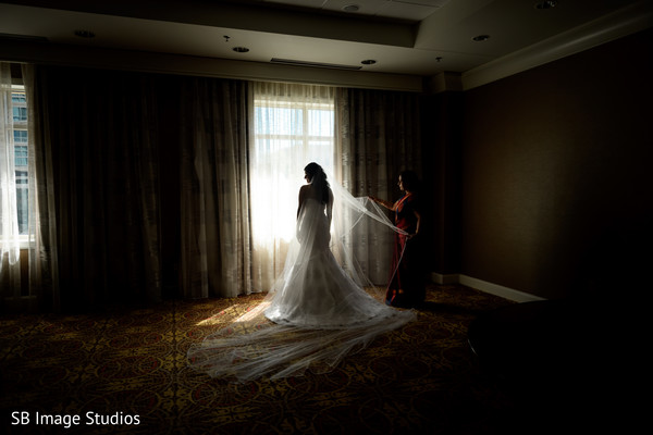 See this glamorous indian bride photo session