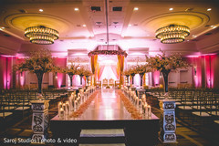 See this gorgeous stage decor