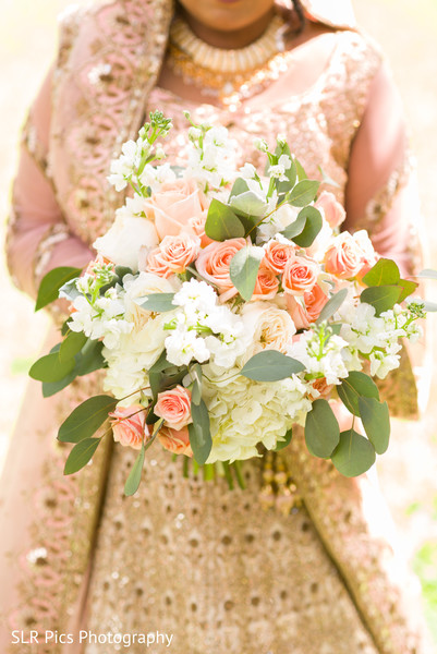 See this beautiful bridal floral arrangement