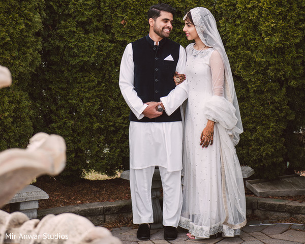 Incredible Indian couple's outdoors photo session.