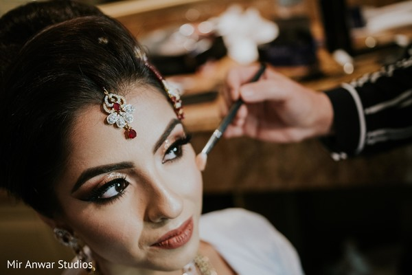 Flawless maharani's ceremony makeup.