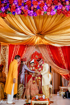 See this lovely Indian couple traditional wedding ceremony.