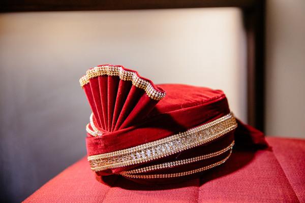 Marvelous Indian groom's ceremony turban.
