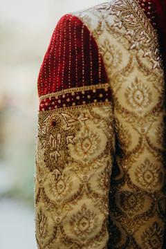 Marvelous embroideri on rajahs sherwani.