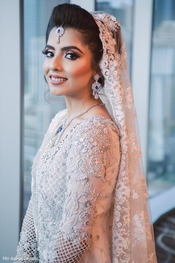 Enchanting Indian bride reception look.