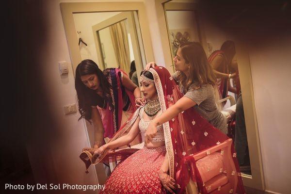 Maharani getting her ghoonghat.