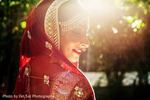 Fascinating indian bridal photo.