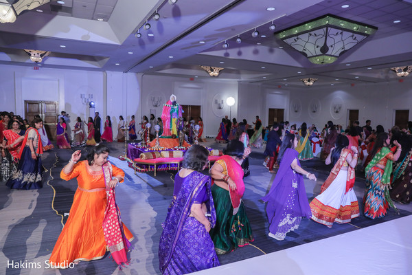 Phenomenal sangeet dance of indian guests capture.