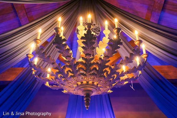See this gorgeous draping decor