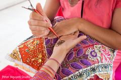 Indian pre-wedding henna ritulal.